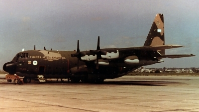 Photo ID 81629 by Carlos Ay. Argentina Air Force Lockheed KC 130H Hercules L 382, TC 69