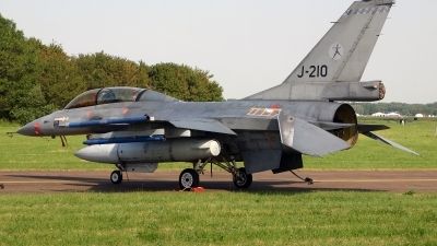 Photo ID 82512 by Jan Eenling. Netherlands Air Force General Dynamics F 16BM Fighting Falcon, J 210