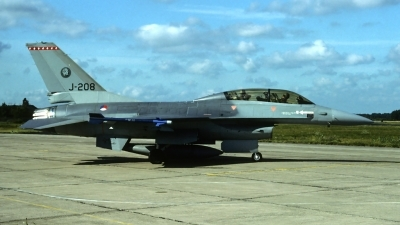 Photo ID 82712 by Carl Brent. Netherlands Air Force General Dynamics F 16B Fighting Falcon, J 208