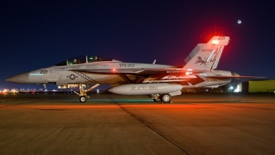 Photo ID 83007 by Nick Thomas. USA Navy Boeing F A 18F Super Hornet, 166674