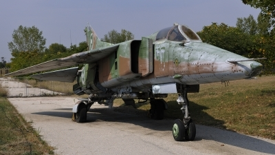 Photo ID 83638 by Peter Terlouw. Bulgaria Air Force Mikoyan Gurevich MiG 23BN, 50