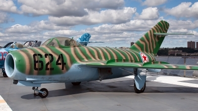 Photo ID 84342 by Bob Wood. North Korea Air Force Mikoyan Gurevich MiG 15bis, 624