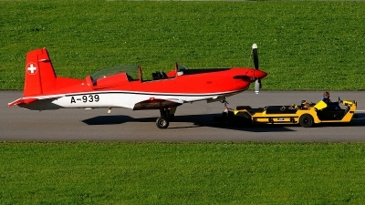 Photo ID 84395 by Martin Thoeni - Powerplanes. Switzerland Air Force Pilatus NCPC 7 Turbo Trainer, A 939