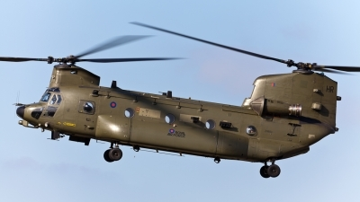 Photo ID 84651 by marcel Stok. UK Air Force Boeing Vertol Chinook HC3, ZH903