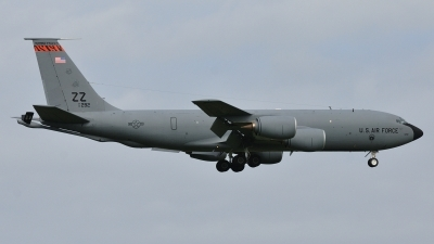 Photo ID 85925 by Peter Terlouw. USA Air Force Boeing KC 135R Stratotanker 717 100, 61 0292
