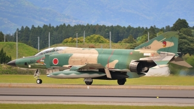Photo ID 87456 by Peter Terlouw. Japan Air Force McDonnell Douglas RF 4E Phantom II, 57 6907