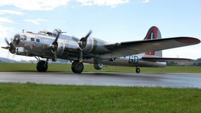 Photo ID 88429 by W.A.Kazior. Private Private Boeing B 17G Flying Fortress 299P, N3193G