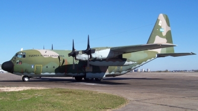 Photo ID 11268 by Martin Kubo. Argentina Air Force Lockheed KC 130H Hercules L 382, TC 70