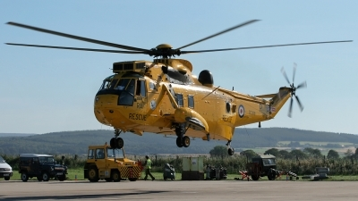 Photo ID 88888 by Andy Walker. UK Air Force Westland Sea King HAR 3, ZE368