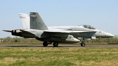 Photo ID 89001 by David F. Brown. USA Navy McDonnell Douglas F A 18C Hornet, 164648