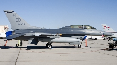Photo ID 11348 by Jim S. USA Air Force General Dynamics F 16D Fighting Falcon, 83 1176