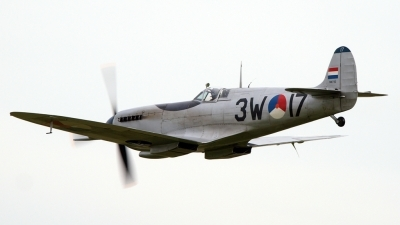 Photo ID 92501 by Stuart Thurtle. Private Private Supermarine 361 Spitfire Mk9, PH OUQ