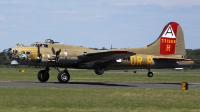 Photo ID 92672 by Joe Osciak. Private Collings Foundation Boeing B 17G Flying Fortress 299P, NL93012