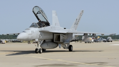 Photo ID 11839 by Rod Dermo. USA Navy Boeing F A 18F Super Hornet, 166615
