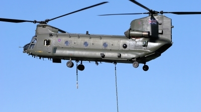 Photo ID 12276 by Tim Felce. UK Air Force Boeing Vertol Chinook HC2, ZH775