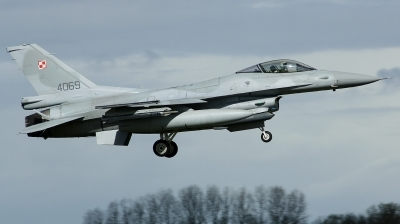 Photo ID 96406 by Arie van Groen. Poland Air Force General Dynamics F 16C Fighting Falcon, 4069