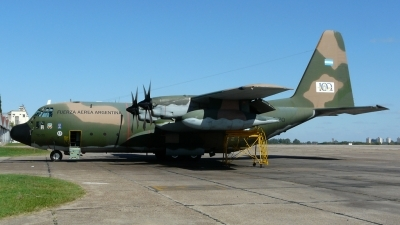 Photo ID 97015 by Martin Kubo. Argentina Air Force Lockheed KC 130H Hercules L 382, TC 70