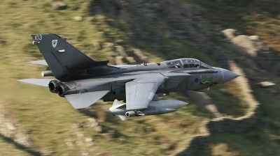Photo ID 12515 by Paul Cameron. UK Air Force Panavia Tornado GR4, ZD811