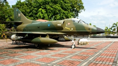 Photo ID 98881 by Mir Zafriz. Malaysia Air Force Douglas A 4PTM Skyhawk, M32 18