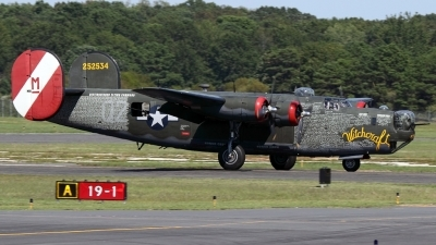 Photo ID 99618 by Joe Osciak. Private Collings Foundation Consolidated B 24J Liberator, N224J