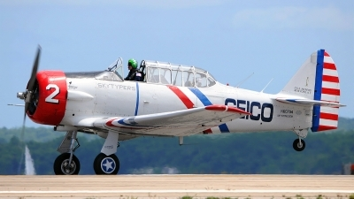 Photo ID 101537 by W.A.Kazior. Private Skytypers North American SNJ 2 Texan, N60734