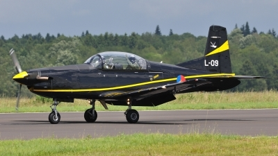 Photo ID 101296 by Peter Terlouw. Netherlands Air Force Pilatus PC 7 Turbo Trainer, L 09