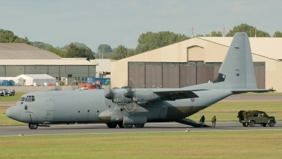Photo ID 13208 by Jeremy Gould. UK Air Force Lockheed Martin C 130J Hercules C4 L 382, ZH879