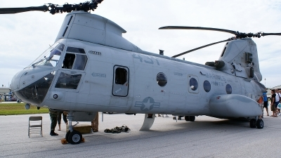 Photo ID 13247 by Hector Rivera - Puerto Rico Spotter. USA Marines Boeing Vertol CH 46E Sea Knight 107 II, 154014