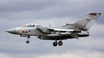 Photo ID 103313 by Tony Lowther. UK Air Force Panavia Tornado GR4, ZA601