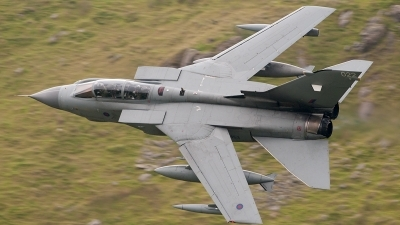 Photo ID 103340 by Paul Massey. UK Air Force Panavia Tornado GR4, ZA453