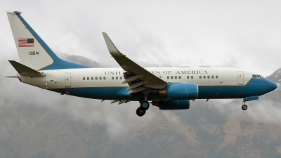 Photo ID 104413 by Marco Papa. USA Air Force Boeing C 40B BBJ 737 7CP, 01 0041