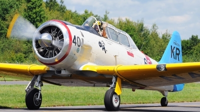 Photo ID 104530 by W.A.Kazior. Private Private North American SNJ 6 Texan, N211A