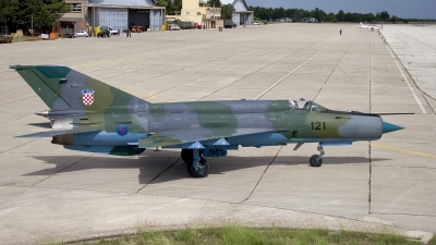 Photo ID 13508 by Chris Lofting. Croatia Air Force Mikoyan Gurevich MiG 21bisD, 121