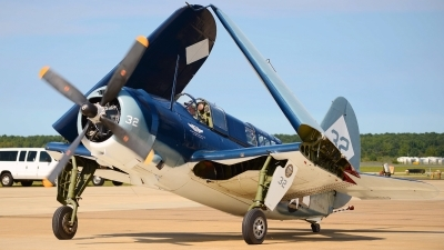 Photo ID 109191 by W.A.Kazior. Private Commemorative Air Force Curtiss SB2C 5 Helldiver, NX92879