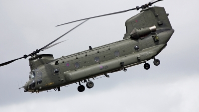 Photo ID 110804 by Fernando Sousa. UK Air Force Boeing Vertol Chinook HC2, ZD574