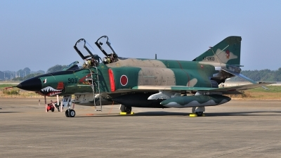 Photo ID 111622 by Peter Terlouw. Japan Air Force McDonnell Douglas RF 4E Phantom II, 47 6903