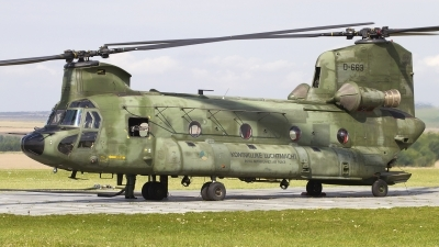 Photo ID 111807 by Chris Lofting. Netherlands Air Force Boeing Vertol CH 47D Chinook, D 663