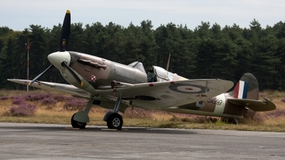 Photo ID 113881 by Jan Eenling. Private Historic Aircraft Collection Supermarine 349 Spitfire LF5B, G MKVB