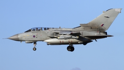 Photo ID 114068 by Chris Lofting. UK Air Force Panavia Tornado GR4, ZA473