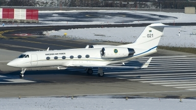 Photo ID 114532 by Joop de Groot. Sweden Air Force Gulfstream Aerospace Tp102A Gulfstream IV, 102001