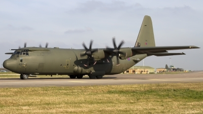 Photo ID 114802 by Chris Lofting. UK Air Force Lockheed Martin C 130J Hercules C4 L 382, ZH879