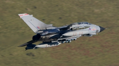 Photo ID 14904 by Paul Cameron. UK Air Force Panavia Tornado GR4, ZA611