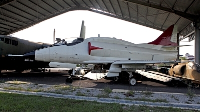 Photo ID 116896 by Carl Brent. Malaysia Air Force Douglas A 4PTM Skyhawk, M32 25
