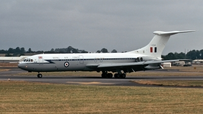 Photo ID 118281 by Henk Schuitemaker. UK Air Force Vickers 1106 VC 10 C1K, XV104