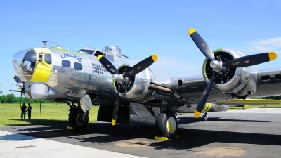 Photo ID 120363 by W.A.Kazior. Private Military Aviation Museum Boeing B 17G Flying Fortress 299P, N3701G