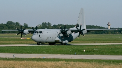 Photo ID 15684 by Rainer Mueller. UK Air Force Lockheed Martin C 130J Hercules C5 L 382, ZH885