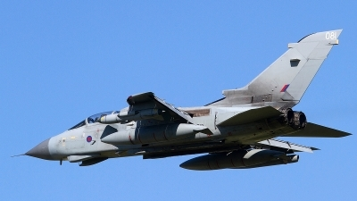 Photo ID 121054 by Tony Lowther. UK Air Force Panavia Tornado GR4, ZD713