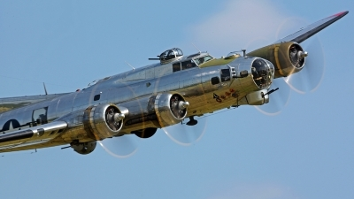 Photo ID 121490 by David F. Brown. Private Yankee Air Force Boeing B 17G Flying Fortress 299P, N3193G