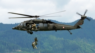 Photo ID 122876 by Lukas Kinneswenger. Austria Air Force Sikorsky S 70A 42 Black Hawk, 6M BF