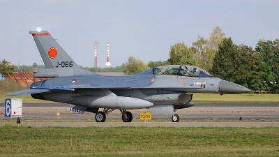 Photo ID 123621 by Stephan Franke - Fighter-Wings. Netherlands Air Force General Dynamics F 16BM Fighting Falcon, J 066